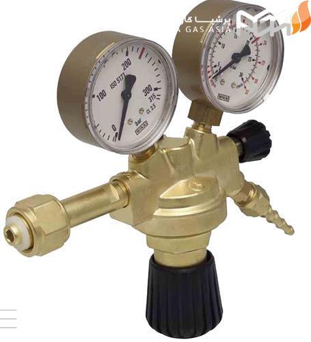رگلاتور نیتروژن در بخش فشار کنترل خروجی به چه شیوه ای اقدام می کند؟