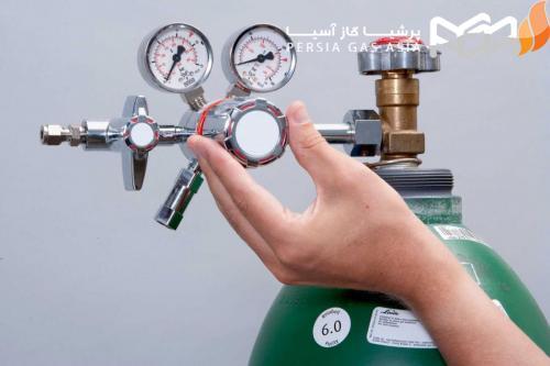 رگلاتور نیتروژن روغنی در چه سایز هایی تولید شده است و برند های این محصول کدام است ؟